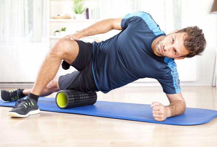 筋膜リリースのやり方や効果とは?アスリートも行うフォームローラーでの筋膜リリース!
