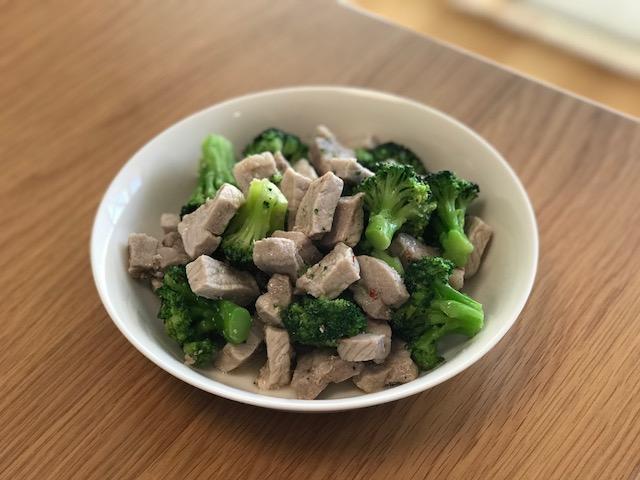 ダイエットレシピ|豚肉とブロッコリーのパスタソース炒め